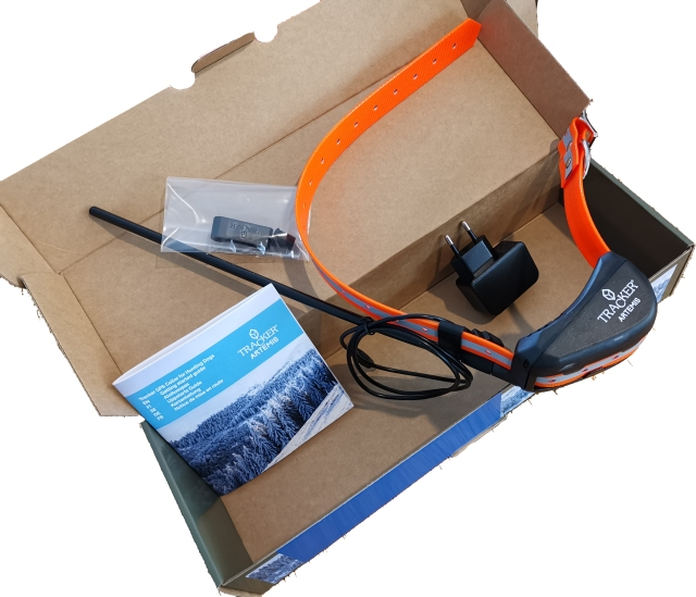 Tracker Artemis ja paketin sisältö.jpg